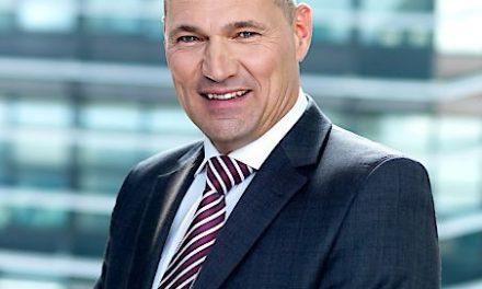 FMK: Rüdiger Köster zum dritten Mal Präsident des Forum Mobilkommunikation