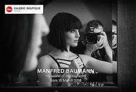 """""""Internationale Prominenz feiert 50er von Starfotograf Manfred Baumann bei Ausstellungseröffnung in Salzburg!"""