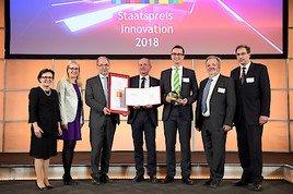 Schramböck zeichnet W&H Dentalwerk Bürmoos GmbH mit Staatspreis Innovation 2018 aus