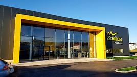 Schiedel Kamine eröffnet Akademie