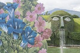 Simon Costin eröffnet den verzauberten Garten in den Swarovski Kristallwelten