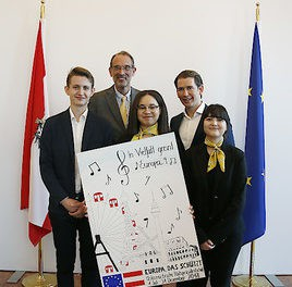 Plakatwettbewerb zu EU2018AT: Bundeskanzler Kurz und Bundesminister Faßmann gratulieren der VBS Hamerlingplatz