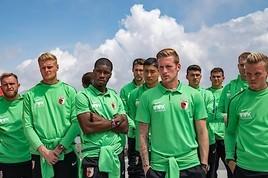 Bundesligaprofis vom FC Augsburg auf Bond-Mission in Sölden