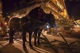 Alpiner Thermen-Advent: Romantische Sonnenschein-Momente in der Vorweihnachtszeit