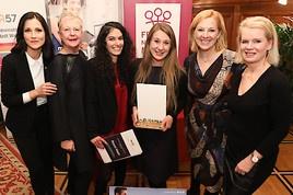 Frauennetzwerk Medien vergibt Preise an politische Journalistinnen