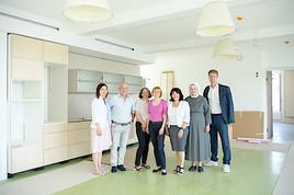 Bezirksvorsteherin Silke Kobald besucht den Neubau des Pflegewohnhauses San Damiano in Ober St. Veit