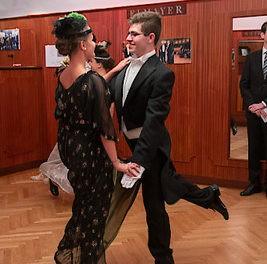 Elmayer Tanzstunde wie vor 100 Jahren