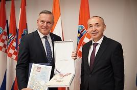 FPÖ-Hofer: Kroatiens Staatspräsidentin verleiht Mario Kunasek höchste staatliche Auszeichnung