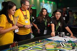 Kinder und Jugendliche für Wissenschaft und Technik begeistern