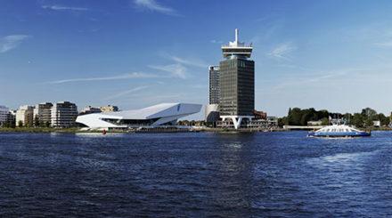 Nord-Amsterdam wartet mit spektakulärem Museumsbau und spezifischen Ausstellungen auf Chantal Akerman, Passages, Empfehlung für einen weiteren Besuch in der niederländischen Metropole