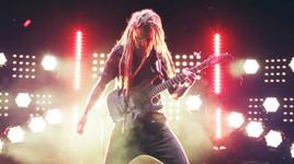 Viraler Internet-Hit: Österreichs international bekanntester Gitarren-Export Bernth begeistert mit virtuosem Paganini-Musikvideo