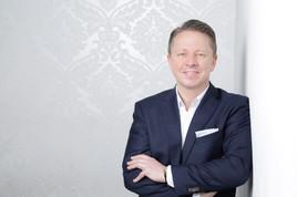 """Niko A. Schüler MSc MBA MRICS übernimmt die Leitung der Business Unit """"Immobilien"""" bei Swiss Life Select"""